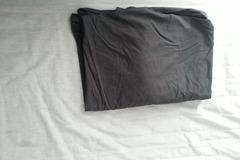 Myydään: Selling fitted black bedsheet (muotoonommeltu lakana musta)