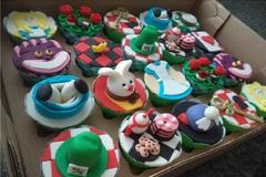 Vendendo: Cupcakes - Alice no País das Maravilhas (20 unid)