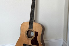 Guitar selling: Taylor 410 2003 with pickup