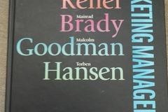 Myydään: Several books on marketing, comms & management