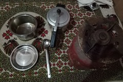 Selling: Gas Cylinder+ Pressure cooker+ container  plate+ spoon(cmbo)