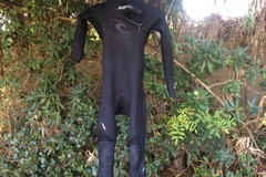 For Rent: 3/2 Rip Curl Ebomb Wetsuit