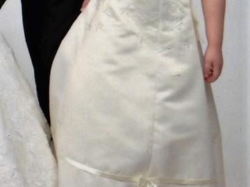 Ilmoitus: Morsiustytön mekko + huivi ja kengät