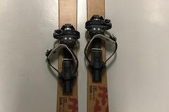 Vuokrataan (varauskalenteri käytössä): Altai Ski Hok 125 -liukulumikengät
