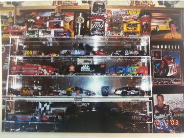 Selling Products: Preview Model Cars Selling Lot Size 2
