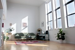 Renting out: Sunny Manhattan Loft with View