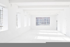 Renting out: Spacious White Daylight Studio