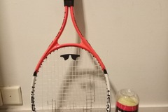 Selling: Tennis racket and balls