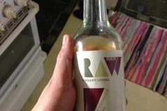 Myydään: Apple cider vinegar