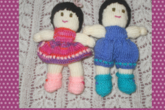 Selling: Peedie dolls - B