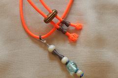 Vente: Le pantastic fluo, perles de verre, hématite et métal