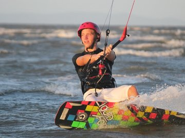 Hourly Rate: Kitesurf Rental and Lessons