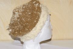 A vendre: Béret 100 % laine blanc et brun-beige tissé a la main