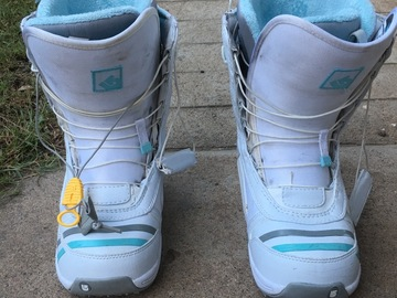 Daily Rate: Burton Snowboard Boots Ladies 8