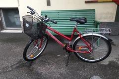 """Selling: Women's Bike, Insera Canyon, Red, 26"""""""