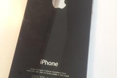 Selling: iPhone 4 16gb