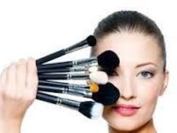 Venta: Maquilladora a domicilio