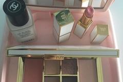Venta: Espejo /  soporte cosméticos (vacio)