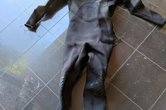 Daily Rate: Quicksilver 3/2 men's steamer - Medium (suit height o 175cm)