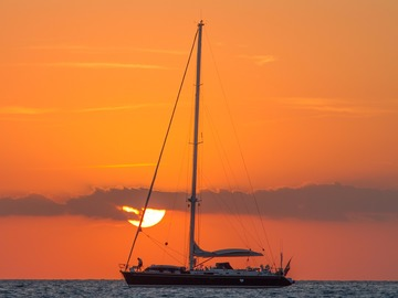Offering: Key West Boat Salvage & Recovery