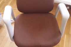 Selling: Computer chair