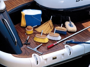 Offering: Weekly/Monthly Boat Cleaning - Stamford, CT