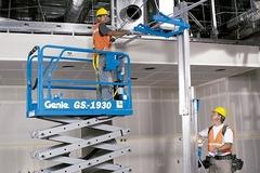 En alquiler: Plataforma elevadora tipo tijera - Genie GS1930