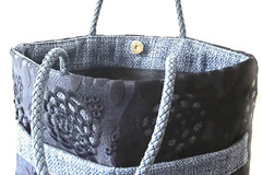 Products: Julliet Lace Handbag