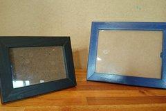 Myydään: wooden photo frames