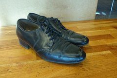 Myydään: Men's shoes size 42 in good condition
