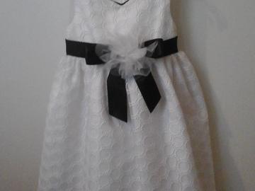 Ilmoitus: Morsiustytön mekko 3-vuotiaalle