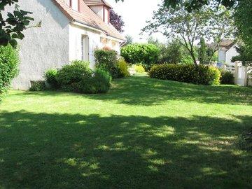 NOS JARDINS A LOUER: Beau jardin de 350m2 dans résidence privée