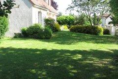 Offres: Beau jardin de 350m2 dans résidence privée