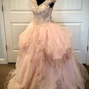 VanderRose Gowns