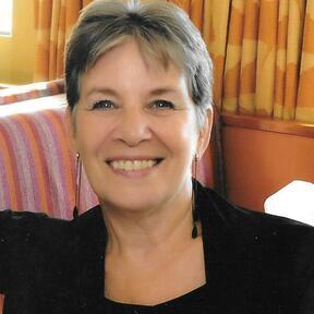 Dr Jacqueline Jeynes