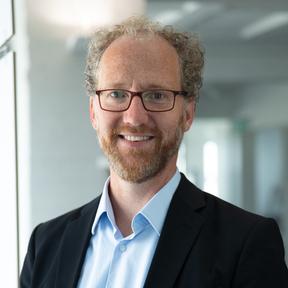 Dr. Jens Hündling