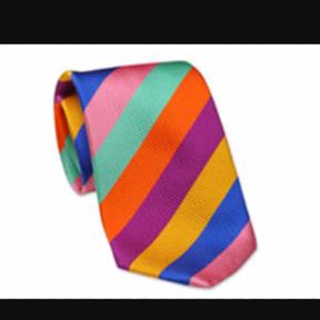 Tie Shop °