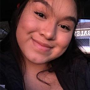 Daniela C